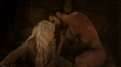 Emilia Clarke and Jason Momoa, in love, Game of Thrones