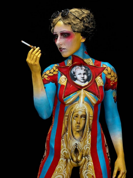 bodypainting-festtival-sex-reads